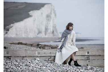 Lifestyle-photograph-woman-beach-sussex
