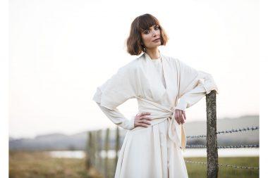 Lifestyle-photograph-woman-countryside-fashion