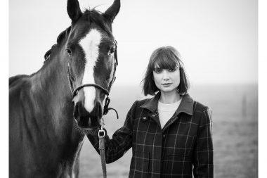 Lifestyle-photograph-woman-horse