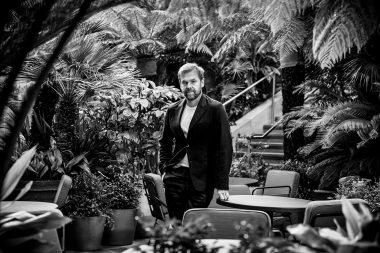 Portrait-of-Restaurant-owner-Bill-Granger-in-London