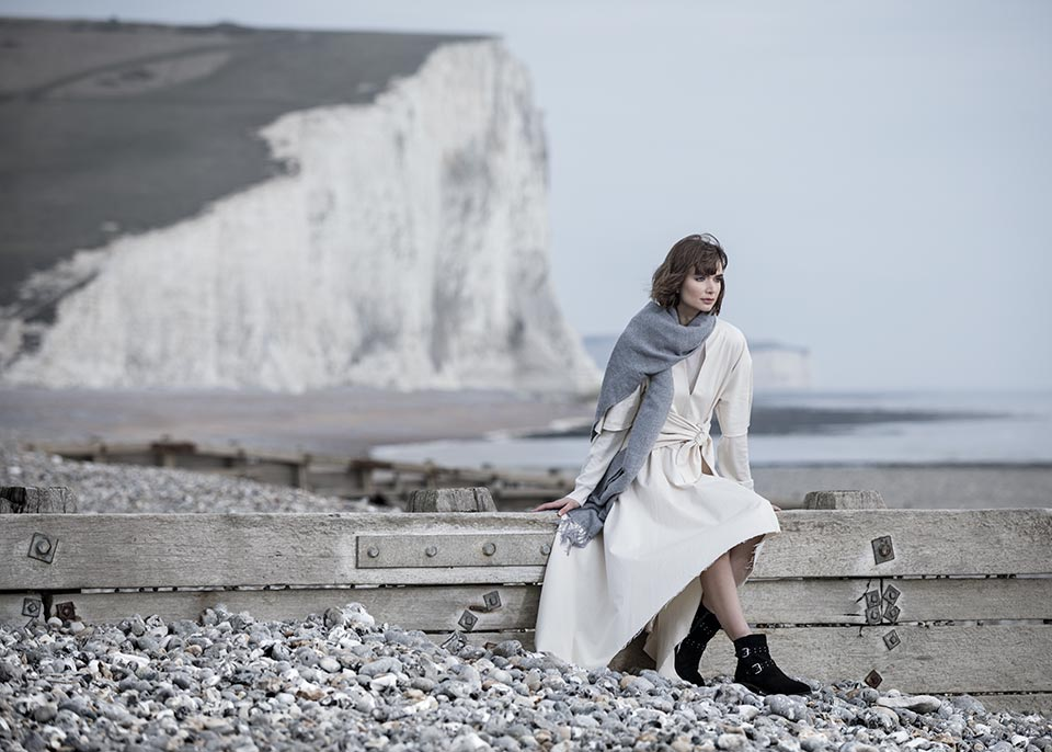 Sussex-coast-lifestyle-photograph-woman-beach