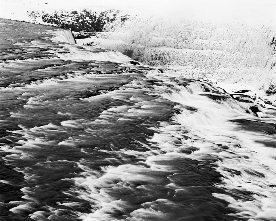 Black-and-white-landscape-photograph-Iceland