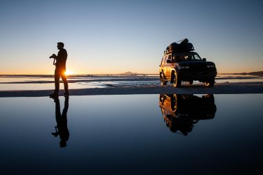 lifestyle-advertising-photograph-of-photographer-and-car-in-bolivia